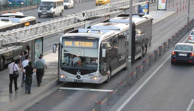 Стамбульские метробусы остались без номеров