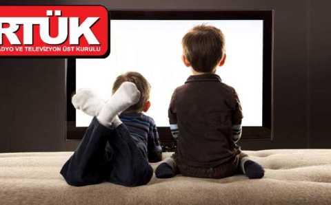 Минздрав запретил рекламировать сладости детям по ТВ