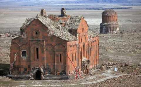 Турция начала реставрацию древнего собора Ани