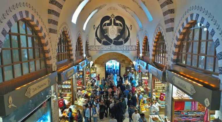 Стамбул рад видеть обновленный Египетский базар