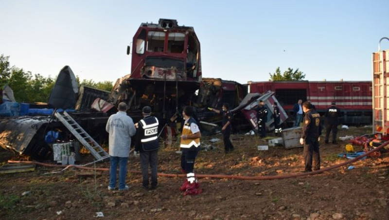 На востоке Турции столкнулись два поезда