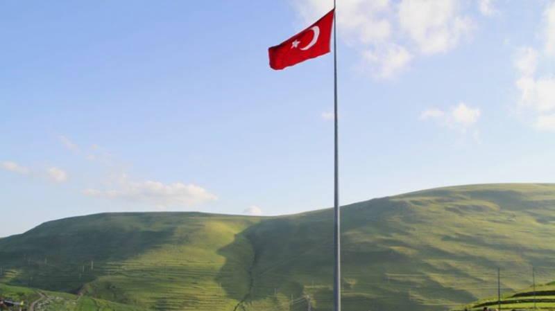 Природа каждый год рисует силуэт Ататюрка