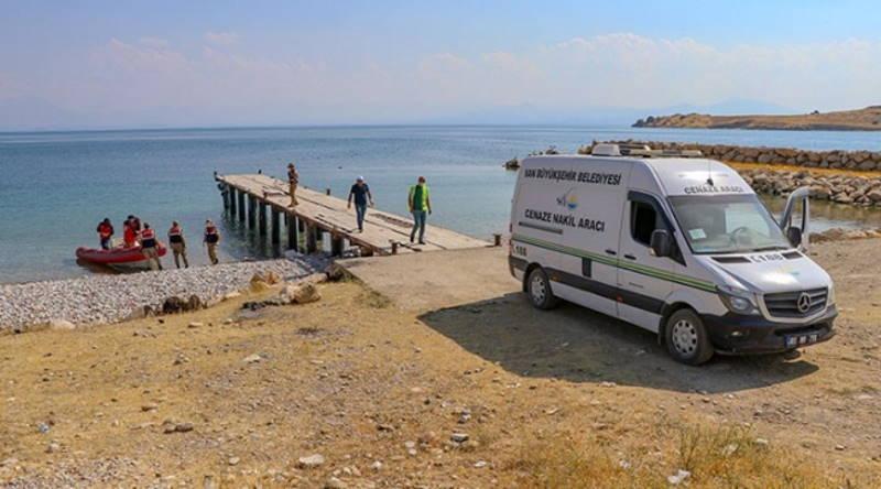 Количество погибших на озере Ван выросло до 54