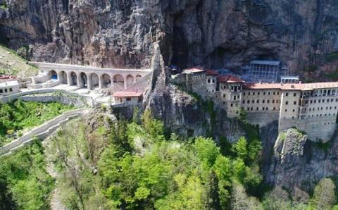 Монастырь Сумела закрывается до февраля 2021