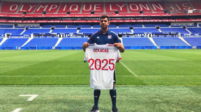 Из Первой лиги Турции во французский Лион