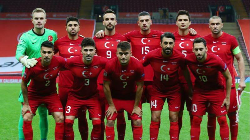 Турция вырывает ничью в матче с Сербией