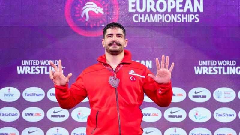 Таха Акгюль стал 8-кратным чемпионом Европы