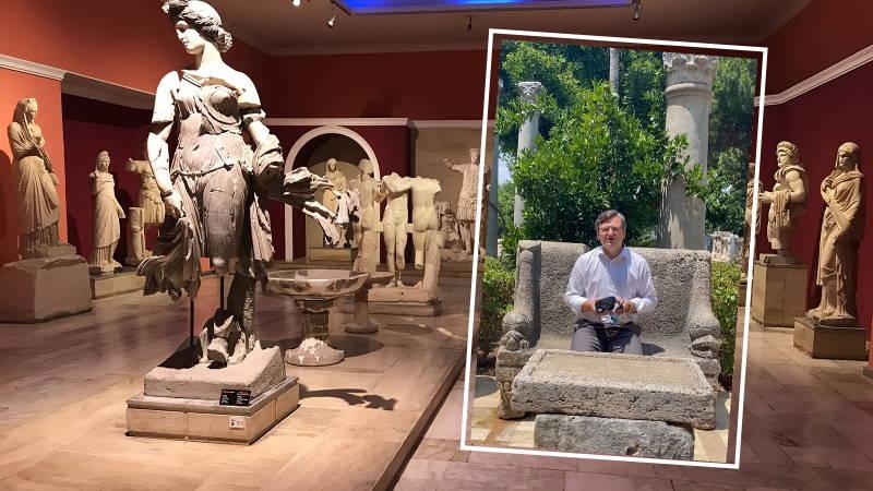 Глава МИД Украины приглашает в музеи Анталии