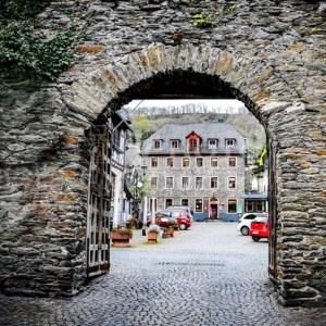 Oberwesel am Rhein Stadttor PSX_20210414_213157 - News vom Rhein