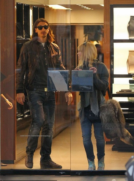Sweden player Zlatan Ibrahimovic gose shopping with his