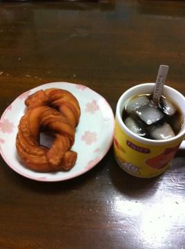 撮影テスト ドーナツとアイスコーヒー