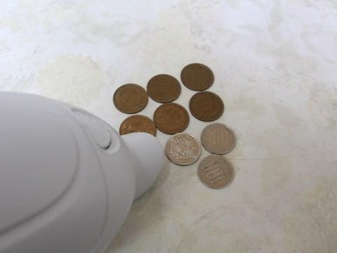 マキタ ハンディクリーナー CL182FD 驚異の吸引力 10円玉/100円玉をガンガン吸う