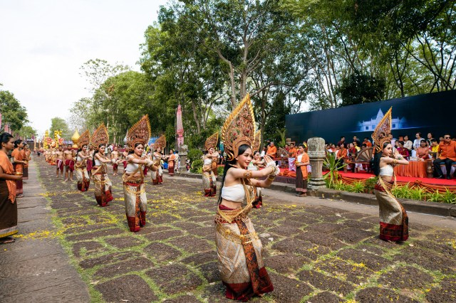 Performers are seen at Phanom Rung, a Hindu Khmer Empire temple complex, during Phanom Rung Historical Park Festival in Buriram Province in the Isan region of Thailand.