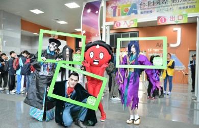 【圖一】LINE Webtoon超人氣作品《百鬼夜行誌》主角阿慢與眾鬼現身台北國際動漫節,與粉絲近距離互動