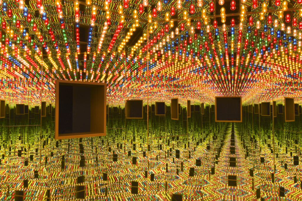 Yayoi Kusama, <em>Infinity Mirrored Room – Love Forever</em> (1966/94) at the Hirshhorn Museum and Sculpture Garden. Courtesy of Ota Fine Arts, Tokyo/Singapore; Victoria Miro, London; David Zwirner, New York. © Yayoi Kusama. Photo by Cathy Carver.
