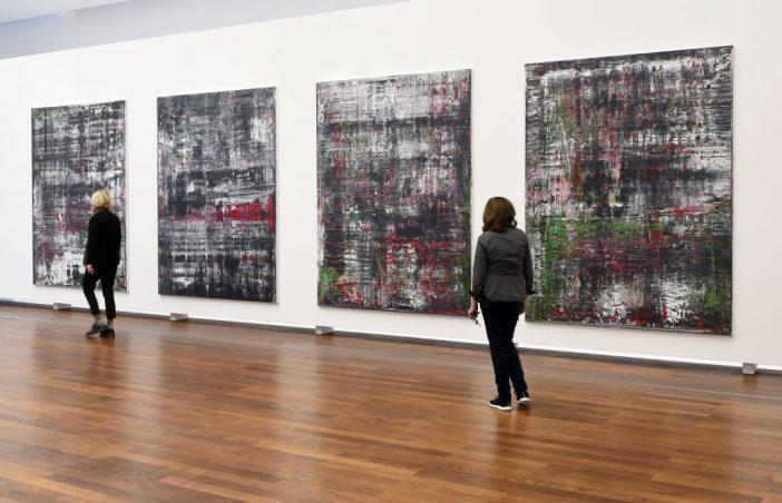 Parte da série Birkenau (2014), de Gerhard Richter, quando estava em exibição no Museu Frieder Burda em Baden-Baden, Alemanha, em 2016. Foto: Uli Deck / dpa via Getty Images.