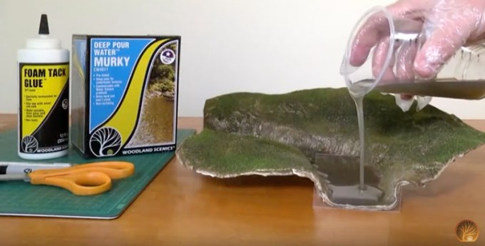 Woodland Scenics – How to Make a Temporary Dam - Bachmann
