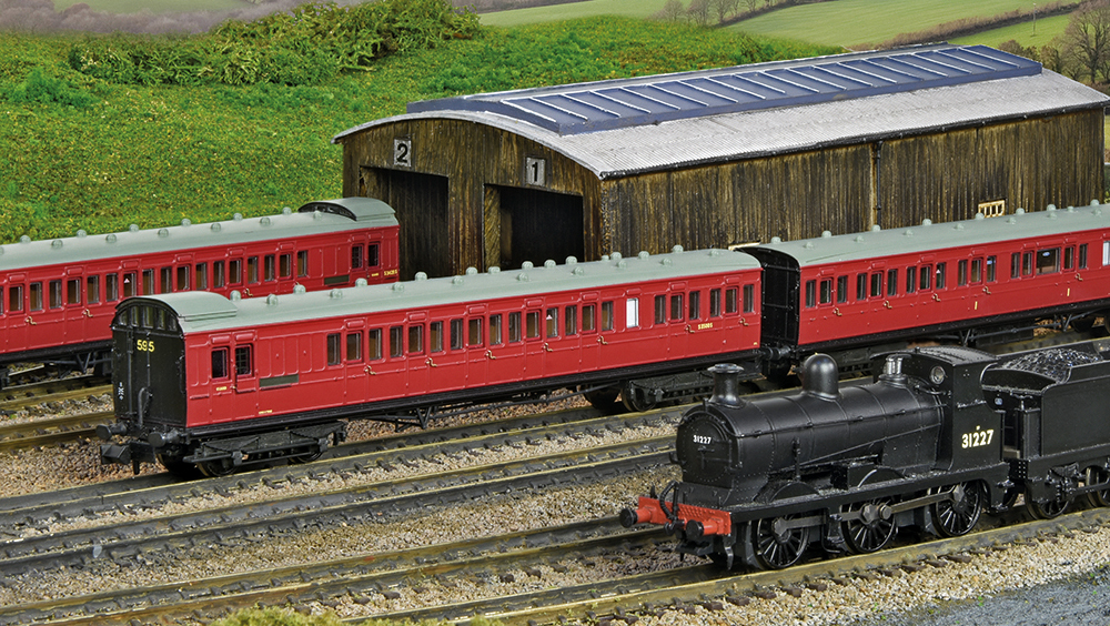 Latest Arrivals – Birdcage Coaches Roll in