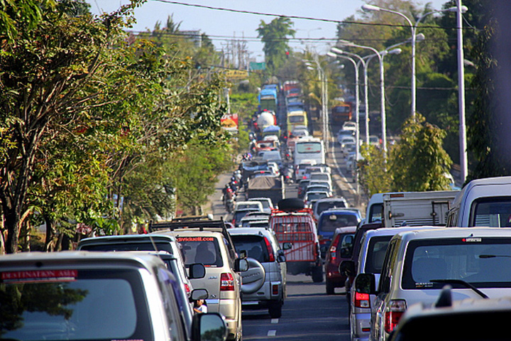 Traffic jams expected as thousands of vehicles enter Bali during holiday