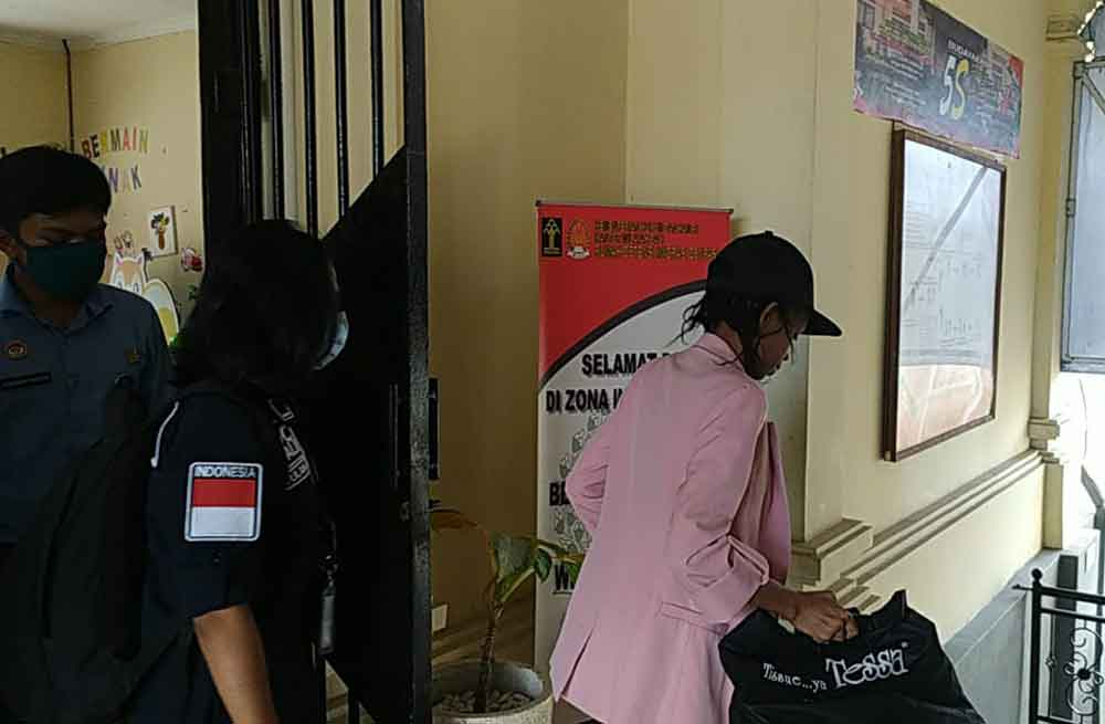 Tanzanian arrested for overstay and deported  by immigration service Denpasar, Bali