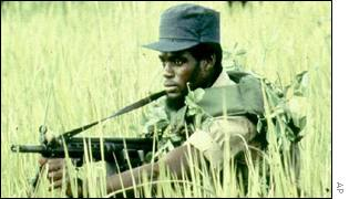 Guerrillero en Angola BBC