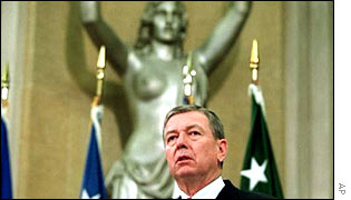 BBC News  AMERICAS  Curtains for seminude justice statue