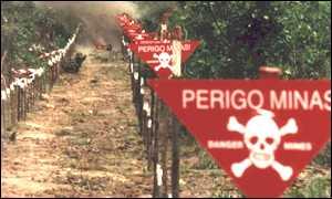 Sinalização de minas terrestres em Angola (foto: Irin.org)