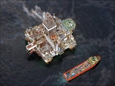 Rig drilling relief well in the Gulf of Mexico