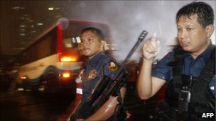Police in Manila siege situation, 23/08