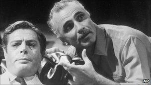 Mario Monicelli (R) directing Marcello Mastroianni (L)