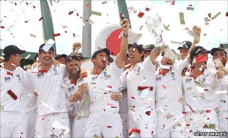 England raise the urn