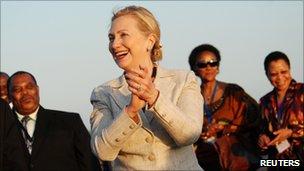 Hillary Clinton arrives at Dar es Salaam's airport