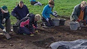Archaeological dig in Steventon