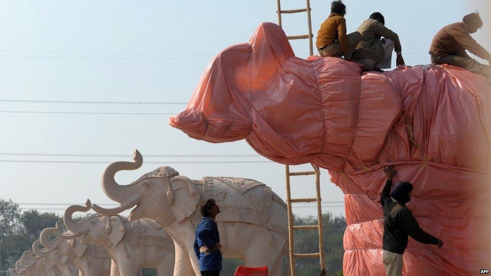Słonie w różu