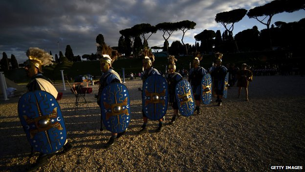 Actors dressed as ancient Romans