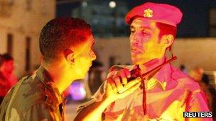 Soldiers talk in Benghazi