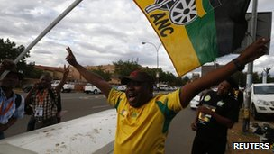 ANC delegates arrive in Manguang, Bloemfontein  South Africa  (15 Dec 2012)