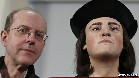 On the right, the reconstruction of Richard III's face. On the left, a living gentleman who I think might be Richard's descendant. WOW.