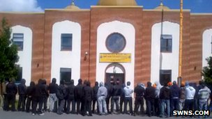 Protest outside Swindon gurdwara