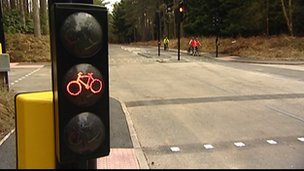 Traffic signals for cyclists