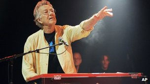 Ray Manzarek performing  at the Sunset Strip Music Festival in August 2012
