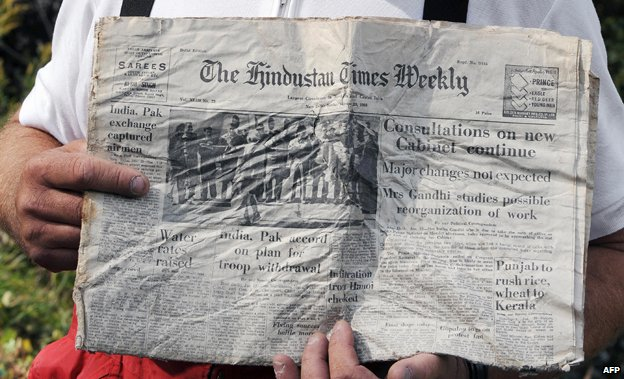 Copy of the Hindustan Times Weekly discovered by French aviation collector Daniel Roche
