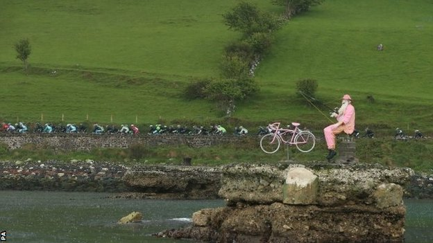 Giro d'Italia riders in Northern Ireland