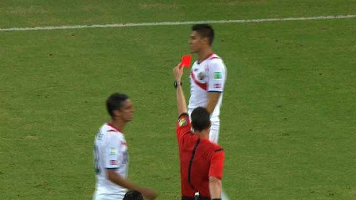 Oscar Duarte is sent off