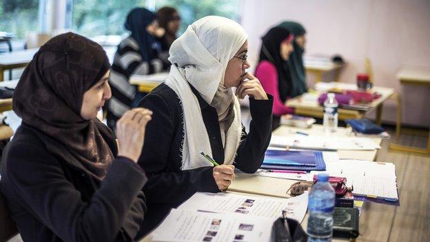 Pupils attend an Arabic course, on 16 October 16, 2012, in Saint-Leger-de-Fougeret, central France.