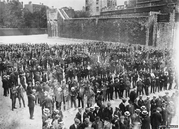 Recruits swearing in to join the Royal Fusiliers at the Tower of London on 29 August 1914, at the start of WW1