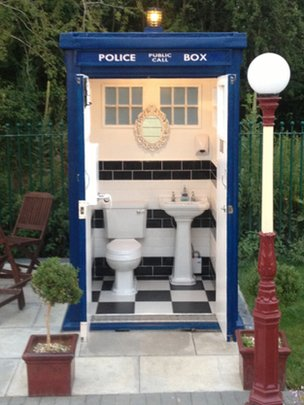 Doctor Whostyle Tardis toilet appears on Bristol to Bath cycle path  BBC News