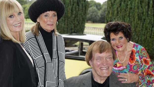 (l-r) Britt Ekland, Tania Mallet, Richard Kiel and Eunice Gayson