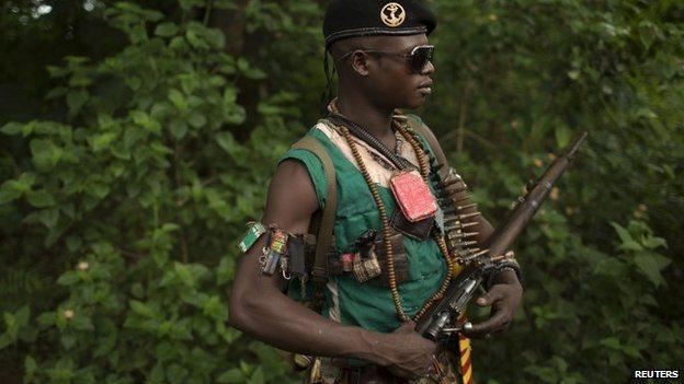 An anti-Balaka fighter near the town of Yaloke in CAR (25 April 2014)