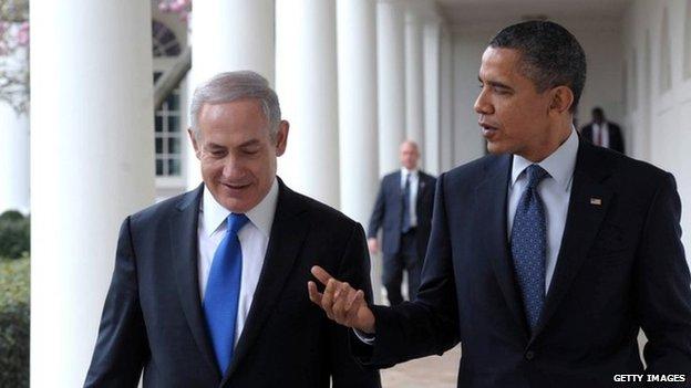 US President Barack Obama (R) talks with Prime Minister Benjamin Netanyahu outside the White House march 2012